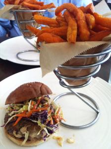 Hannas Gourmet Turkey Burger (11-21-2014)