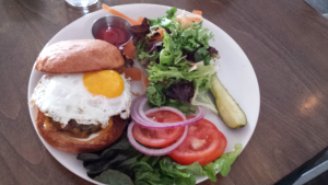 Beaumonts Char-Burger With Egg (5-18-2016)