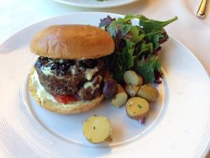 Winesellar Brasserie Burger (6-15-2016)