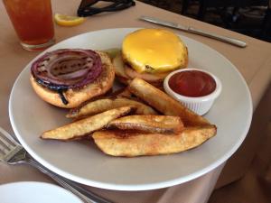 IRIS Signature Burger (7-28-2016)